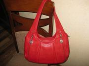 Дамская сумка легкая,  вместительная,  3 отделения,  6 карманов.